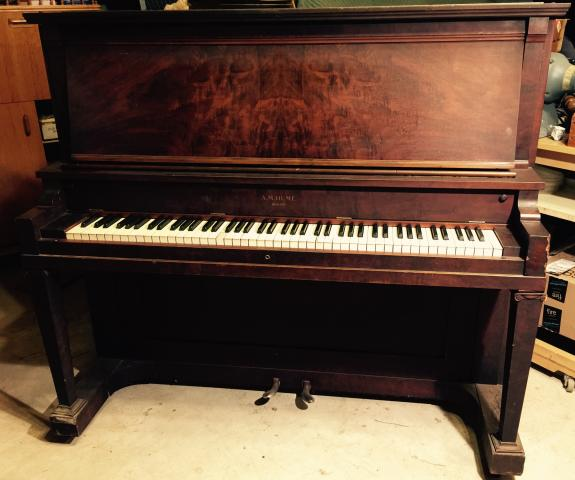 1914 a m hume upright